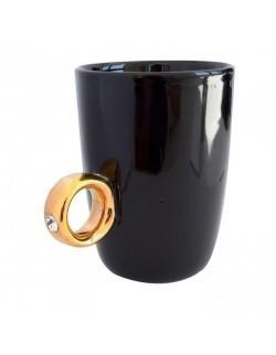 Kubek z pierścionkiem czarny - INVOTIS
